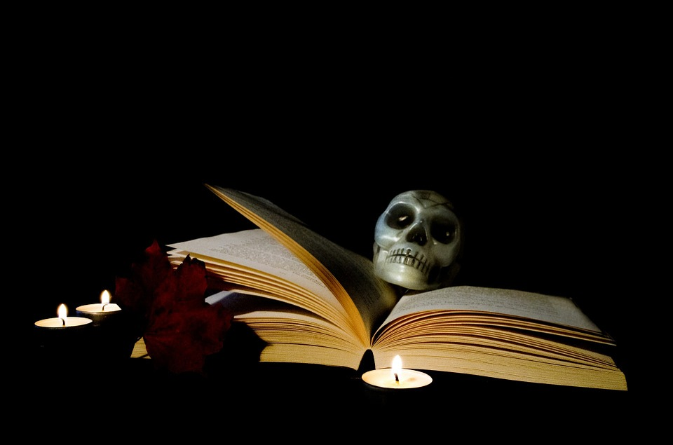 Top Reads & Tunes for Halloween – Time to Get Spooky!